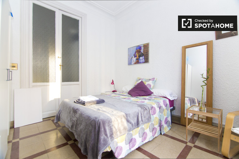 Purple Room - Double bed