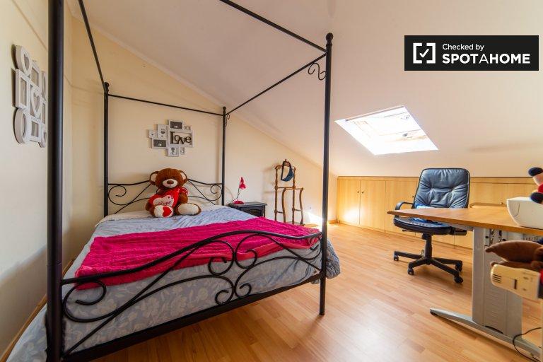 Pokój do wynajęcia w domu z 8 sypialniami w Sintrze w Lizbonie