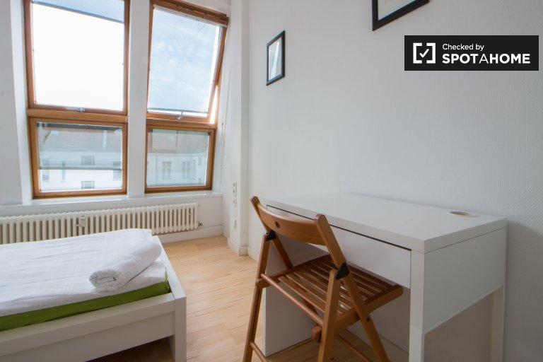 Enorme quarto em apartamento em Charlottenburg-Wilmersdorf, Berlin