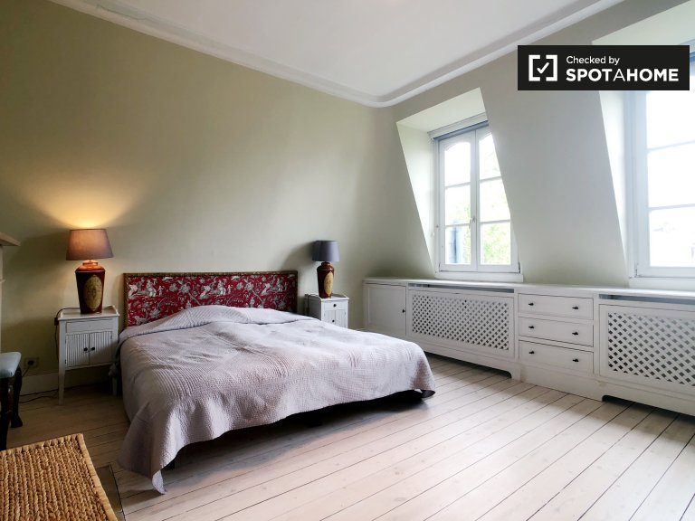 Lovely room for rent in Uccle, Brussels