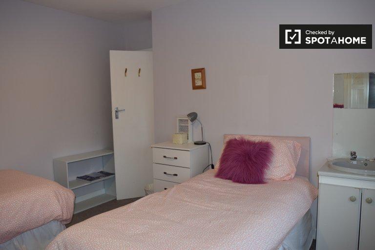 Chambre à louer dans un appartement de 3 chambres à Raheny, Dublin
