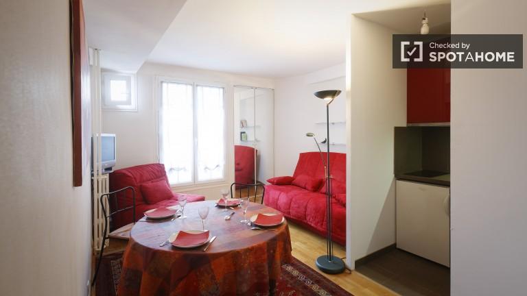 Trendy Studio Apartment for Rent in Paris