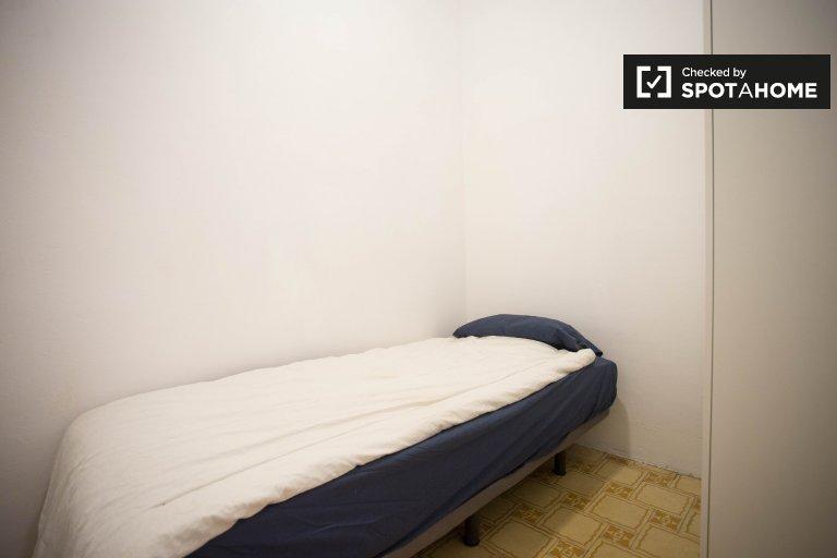 Gemütliches Zimmer in 4-Zimmer-Wohnung in Esquerra Eixample
