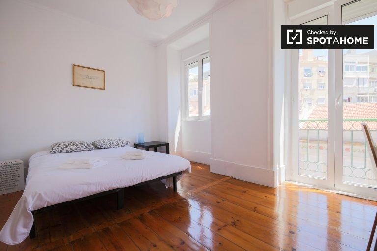 Apartamento de 3 dormitorios en alquiler en Penha França, Lisboa
