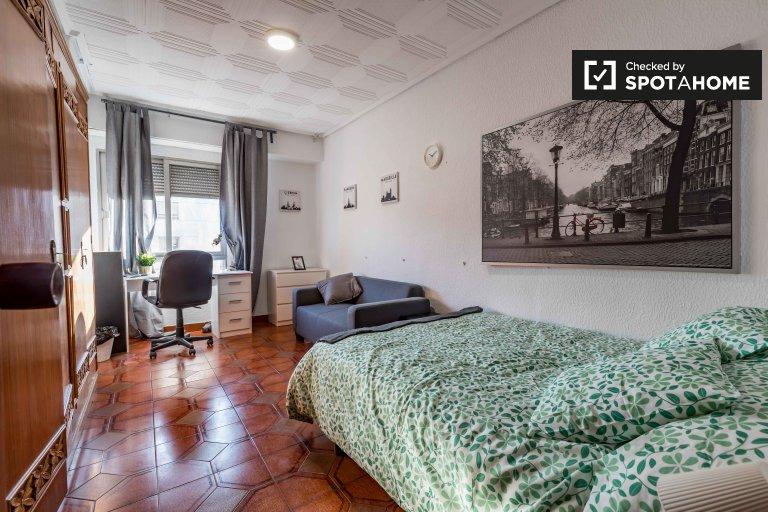 Se alquila habitación doble, apartamento de 5 dormitorios, Benimaclet