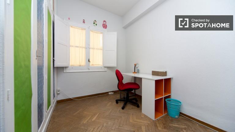 Room 1: Single Bedroom