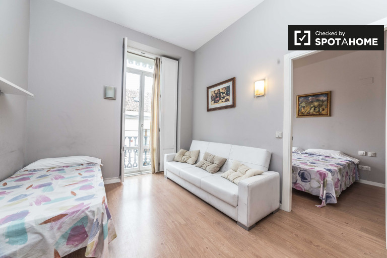 Bright 1-bedroom apartment for rent in Extramurs, Valencia
