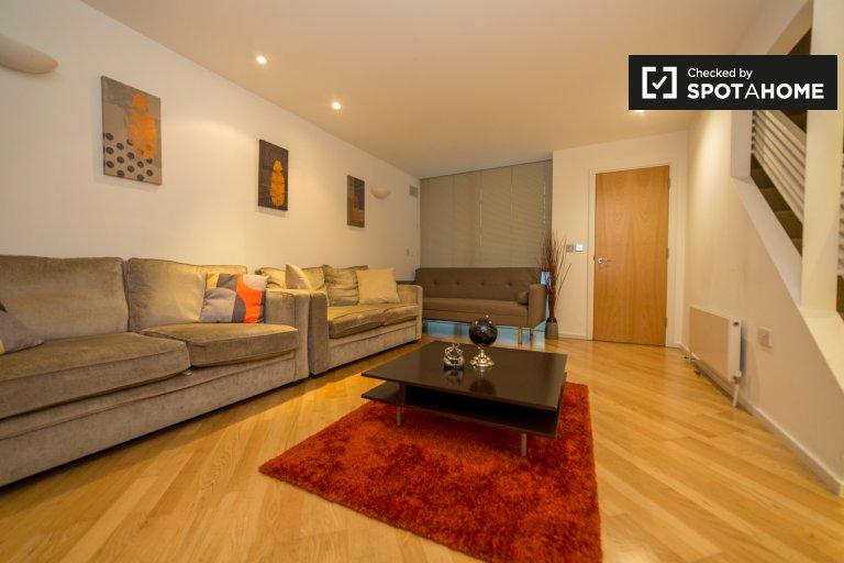 Ładny dom z 3 sypialniami do wynajęcia w City of Westminster w Londynie