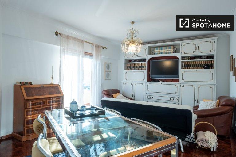 Appartamento con 2 camere da letto in affitto a Parede, Lisbona