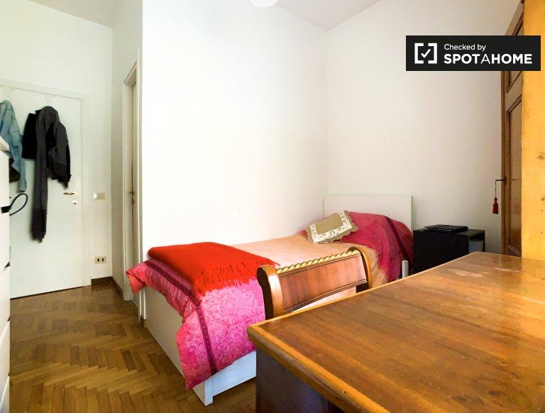 Camera singola in affitto, appartamento con 2 camere da letto, Balduina, Roma