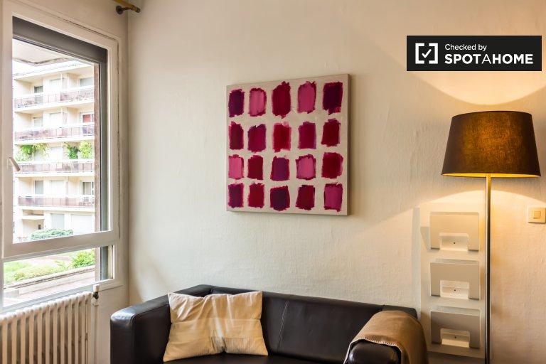 Beautiful 1-bedroom apartment for rent near Les Halles de Lyon