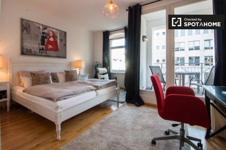 Ampio appartamento con 1 camera da letto in affitto a Mitte, Berlino
