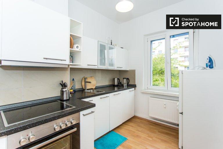 Quarto fresco para alugar em apartamento com 1 quarto em Mitte