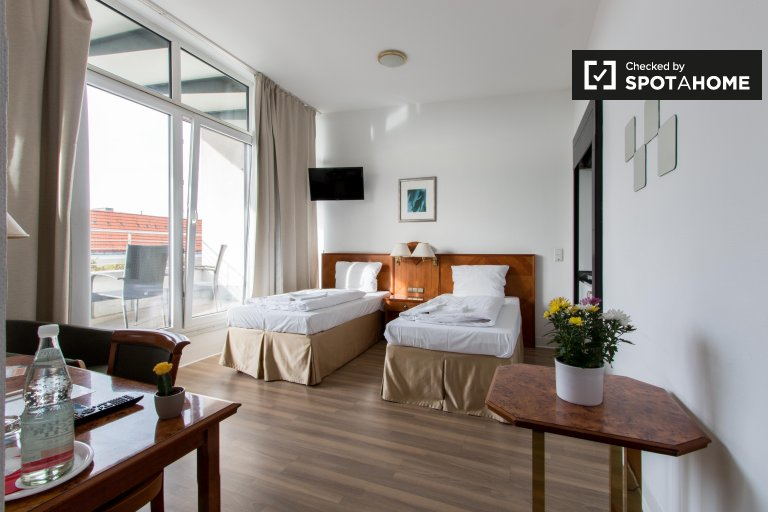 2-bedroom apartment for rent in Charlottenburg, Berlin