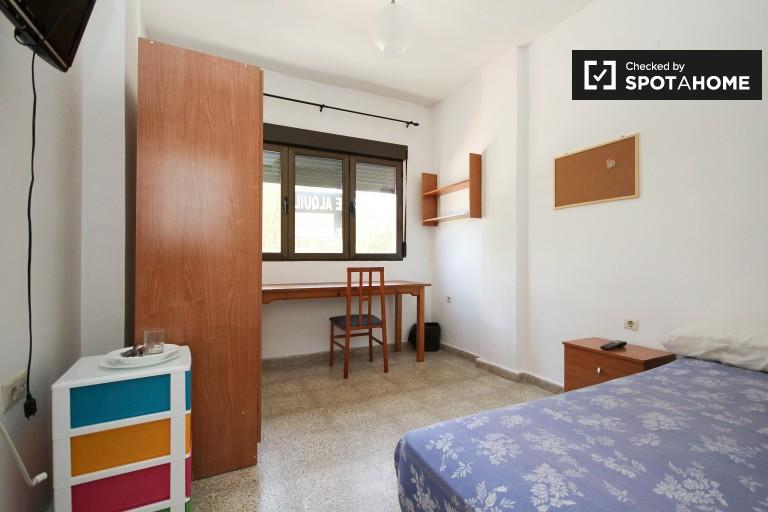 Bedroom 13 - single bed