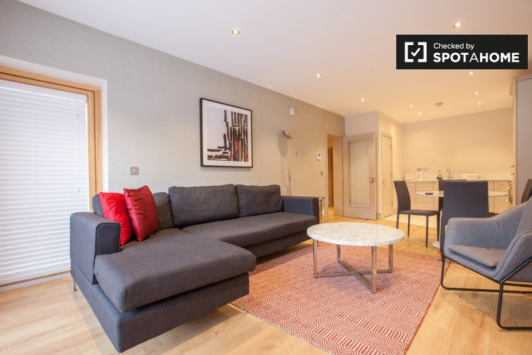 2-bedroom apartment with balcony for rent in Carrickmines