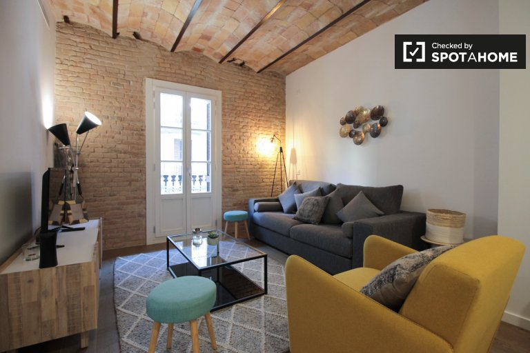 Charming 2-bedroom apartment for rent in Poble-sec