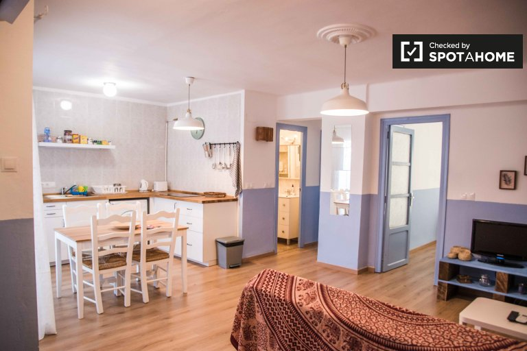 Beautiful 2-bedroom apartment for rent in Cabañal