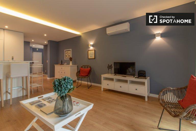 Luxuoso apartamento de 2 quartos para alugar em Soltaria, Lisboa