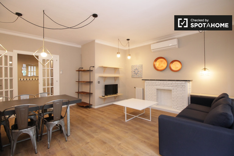apartment 3 bedroom. 3 bedroom apartment for rent in Poble sec  Barcelona apartments Spotahome