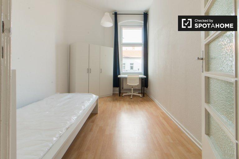 Pokój w apartamencie z 5 sypialniami w Tempelhof-Schöneberg Berlin