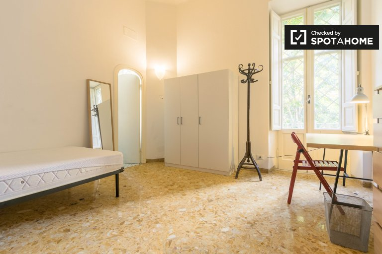 Double Bed in Furnished rooms for rent in a 3-bedroom apartment in Parioli