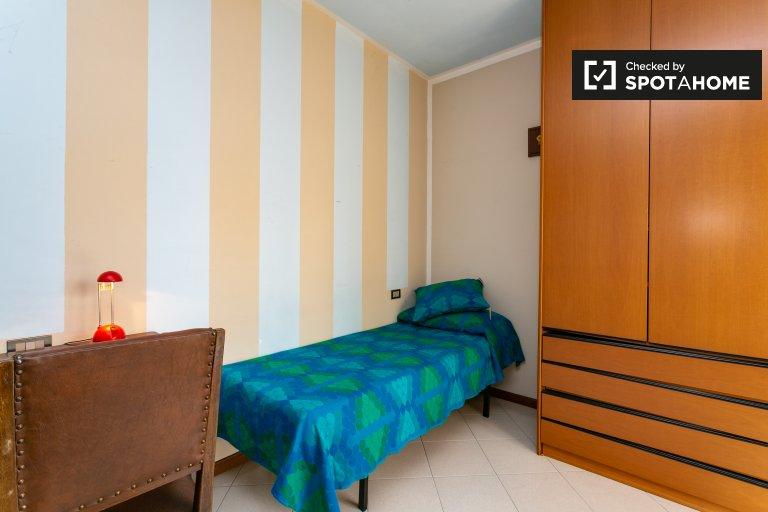 Se alquila habitación en apartamento de 2 dormitorios en San Donato, Milán