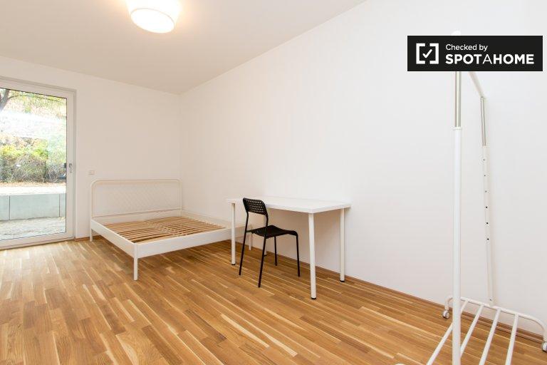 Cute room for rent in 2-bedroom flat in Treptow, Berlin