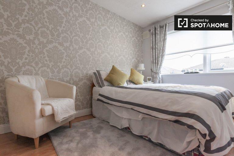 Confortevole camera in casa con 3 camere da letto a Swords, Dublino