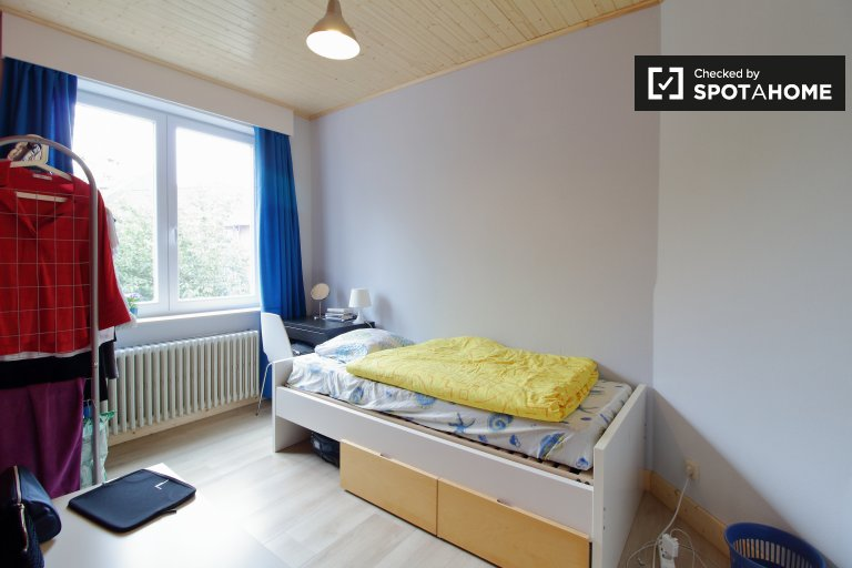 Bright room for rent in Evere, Brussels