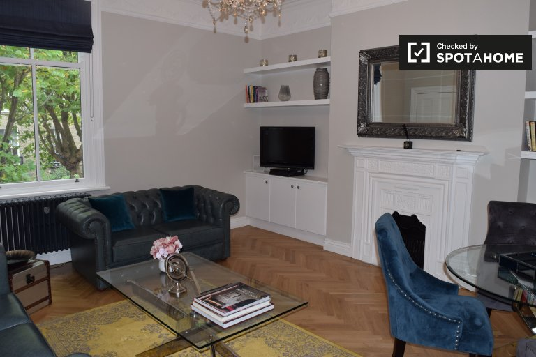 Stylish 3-bedroom apartment to rent in Downtown, Dublin