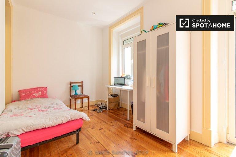 Quarto Sweet para alugar, Apartamento T3, Penha de França, Lisboa