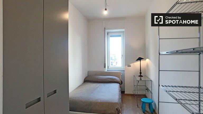 Stanza in affitto in appartamento con 2 letti a Porta Vittoria, Milano