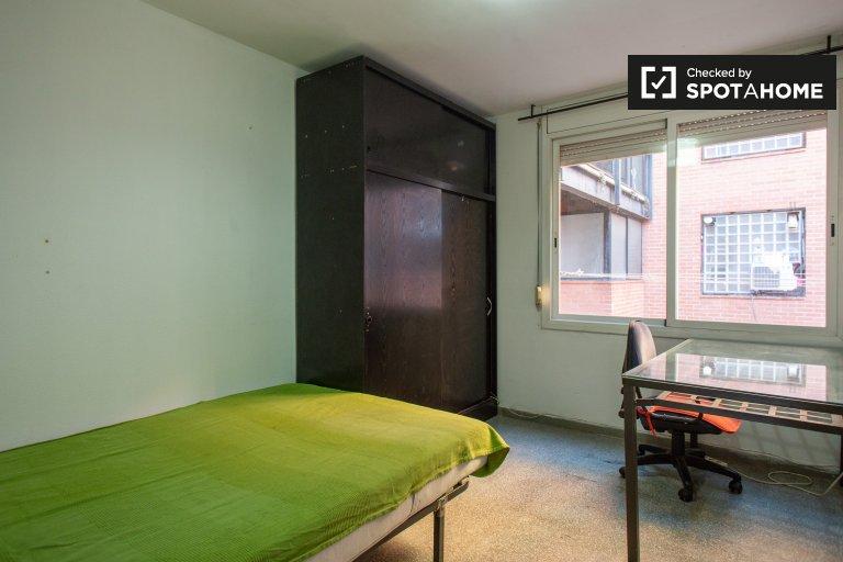 Helles Zimmer zur Miete in 3-Zimmer-Wohnung, Horta