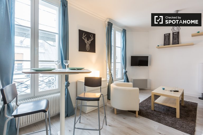 Cosy studio apartment for rent in Paris' 17th Arrondissement