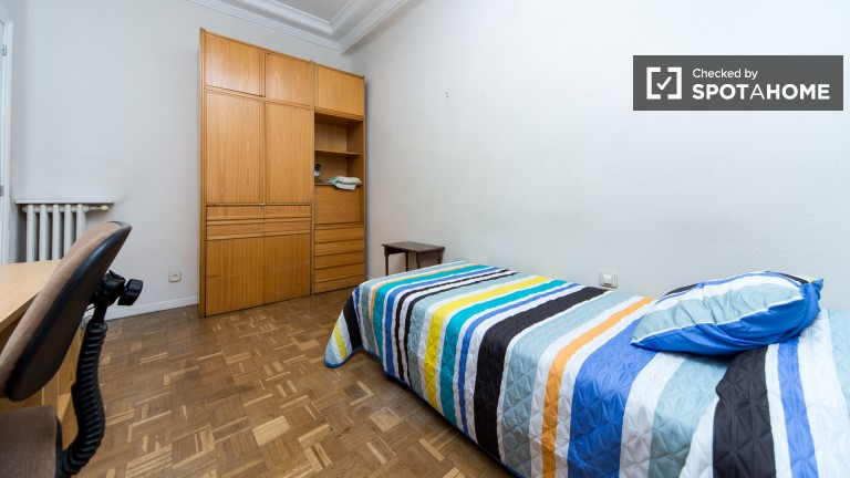 Exterior Single Room (Room 5)