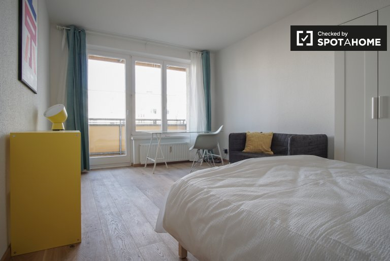 Room in 4-bedroom apartment in Treptow-Köpenick, Berlin