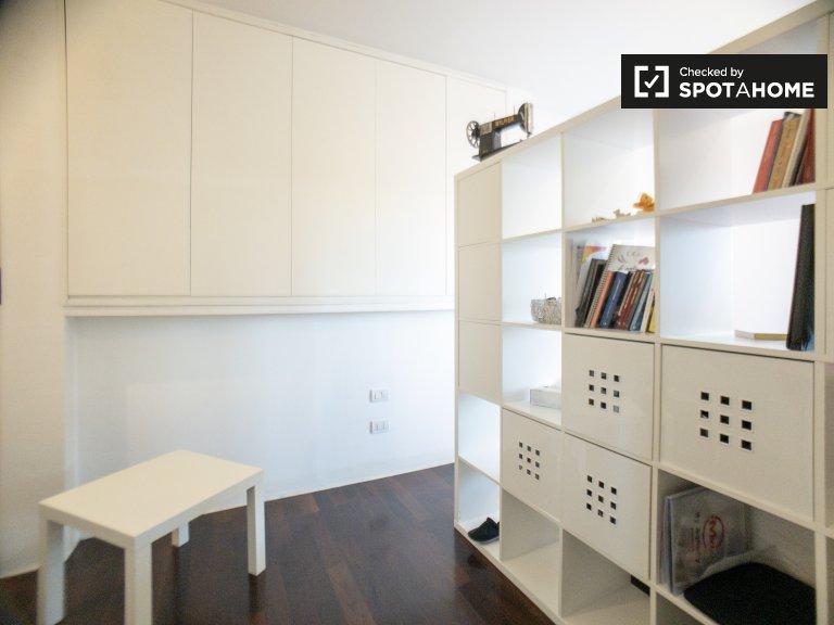 Zimmer zu vermieten in 3-Zimmer-Wohnung in Centrale, Mailand