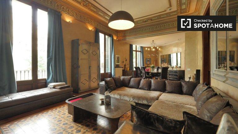 Huge 5-bedroom apartment for rent in La Dreta de l'Eixample