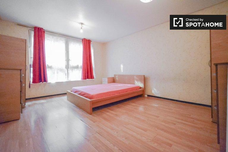 Pokój do wynajęcia w przestronnym domu z 5 sypialniami w Tower Hamlets