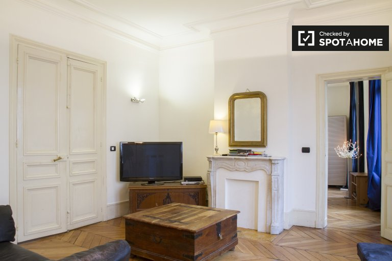 3-bedroom apartment for rent in Paris 3