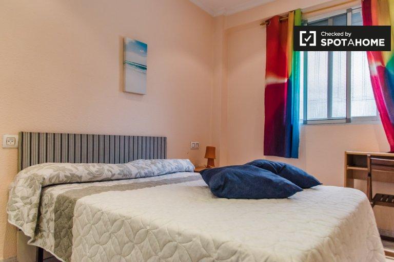 Pokój do wynajęcia w 2-pokojowe mieszkanie w Benicalap, Valencia