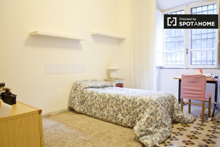 Bedroom 1 - single bed.