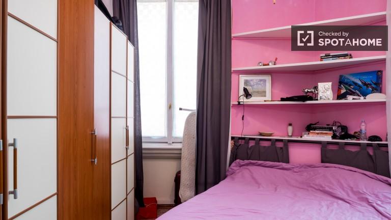 Pokój dwuosobowy w apartamencie z 2 sypialniami w Zona Farini w Mediolanie