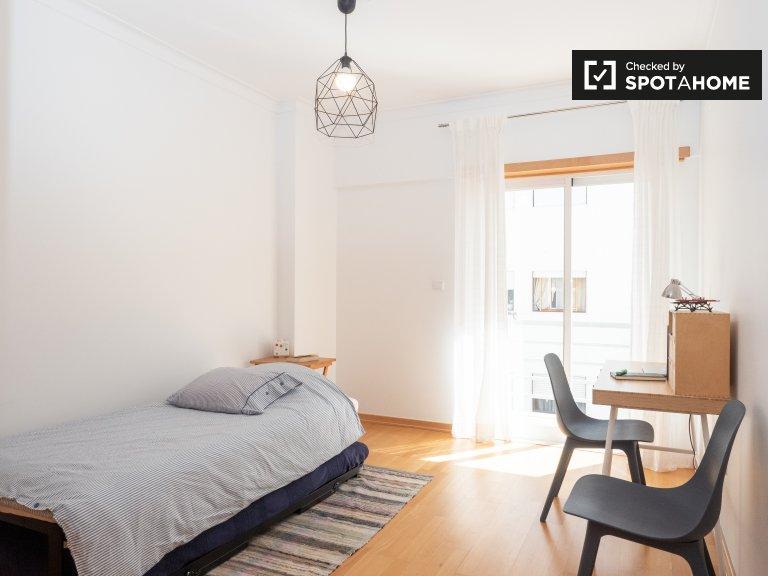 Costa da Caparica, Lizbon kiralık güneşli oda