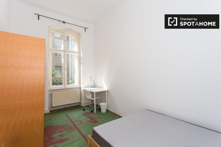 Schöneberg, Berlin'de kiralık güzel oda