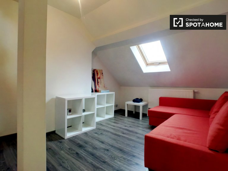 Cozy 1-bedroom apartment for rent in Schaerbeek, Brussels