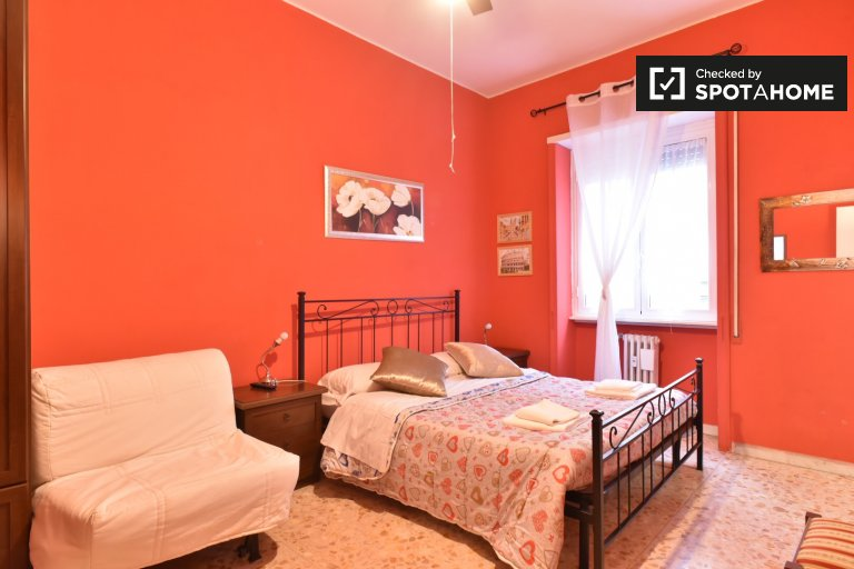 Apartamento de 4 dormitorios en alquiler en San Giovanni, Roma