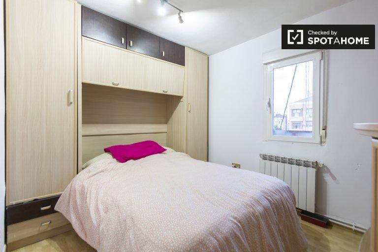 Se alquila habitación doble, apartamento de 2 dormitorios, Hortaleza, Madrid
