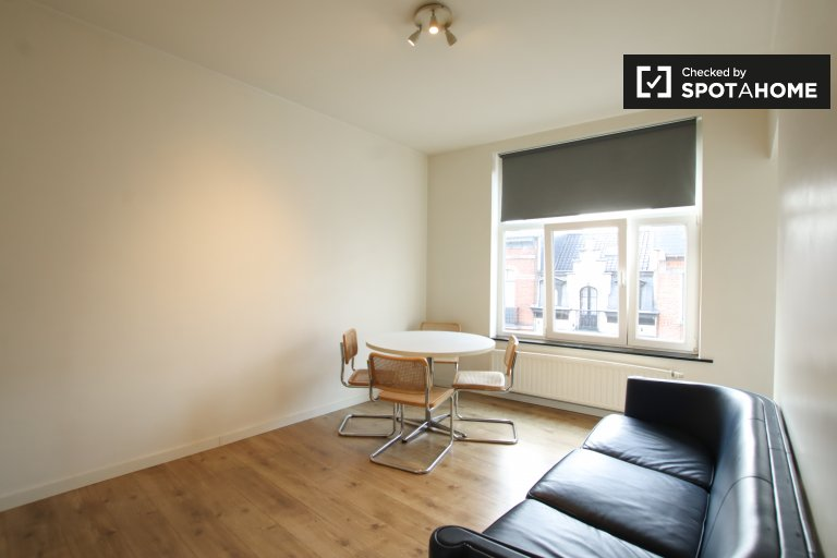 Minimalist sudio apartment for rent in Schaerbeek, Brussels